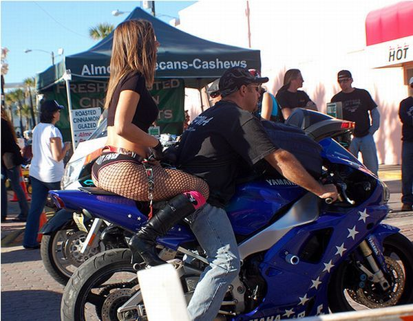 バイクの人身傷害特約はタンデムライダーに絶対必要!!未加入は保険金を受取れない