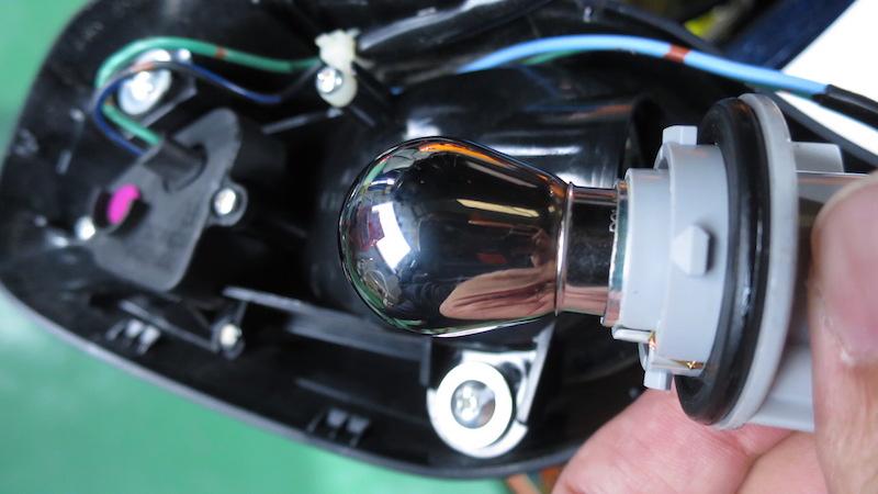 CBR1000RRのミミックバルブ(ミラーバルブ)