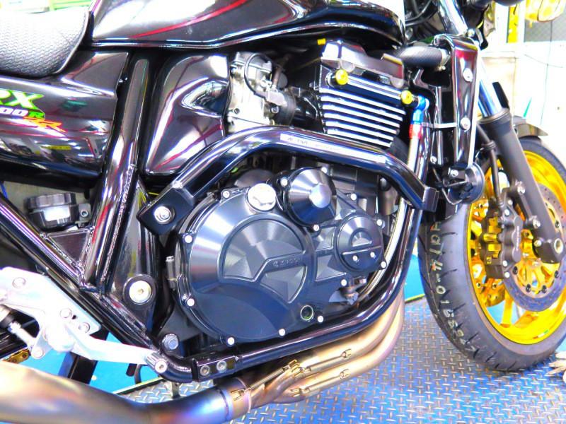 ZRX1200Rエンジンカバーカスタムパーツ