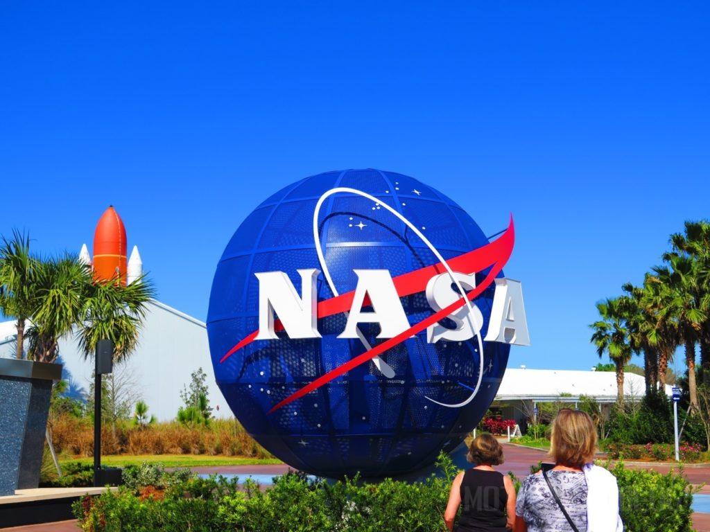 ケネディ宇宙センター入口