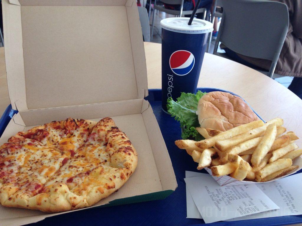 ケネディスペースセンターのピザ