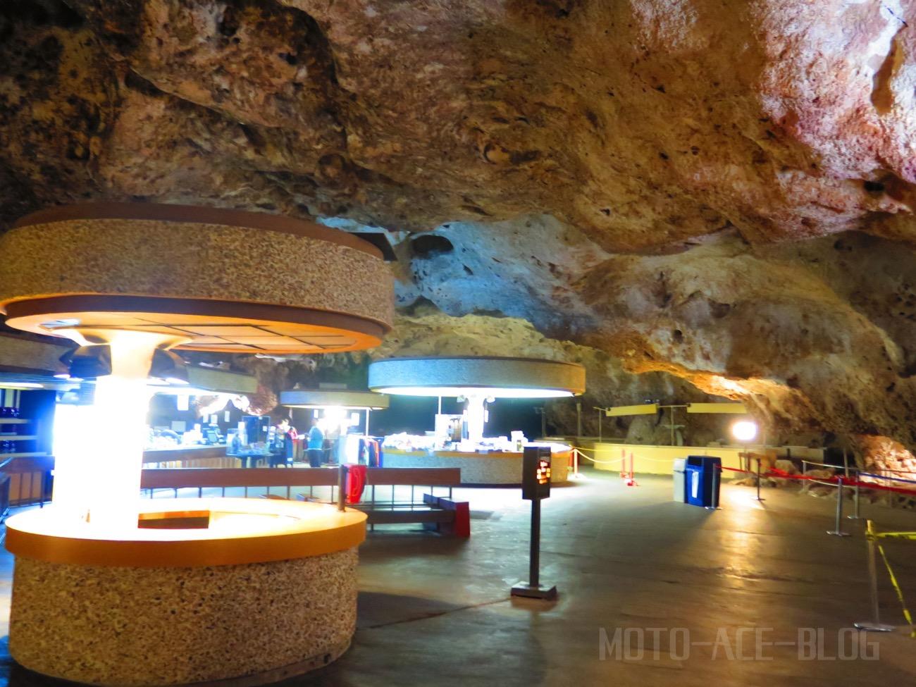 カールズバッド洞窟群のエレベータホール