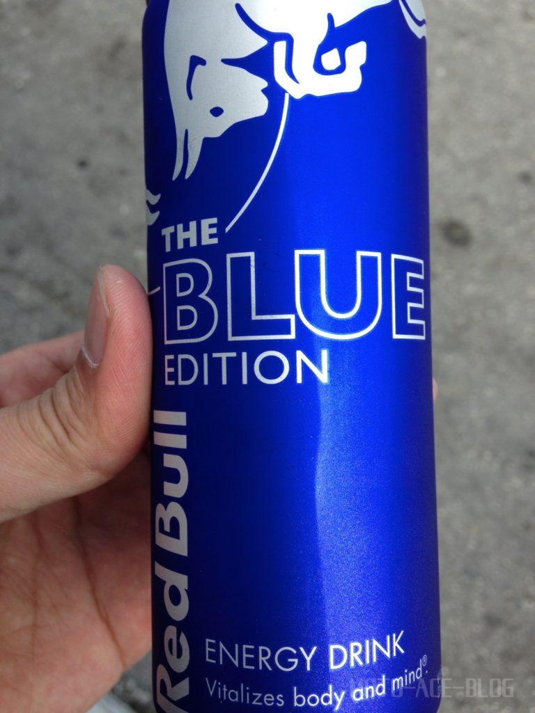 レッドブルの青
