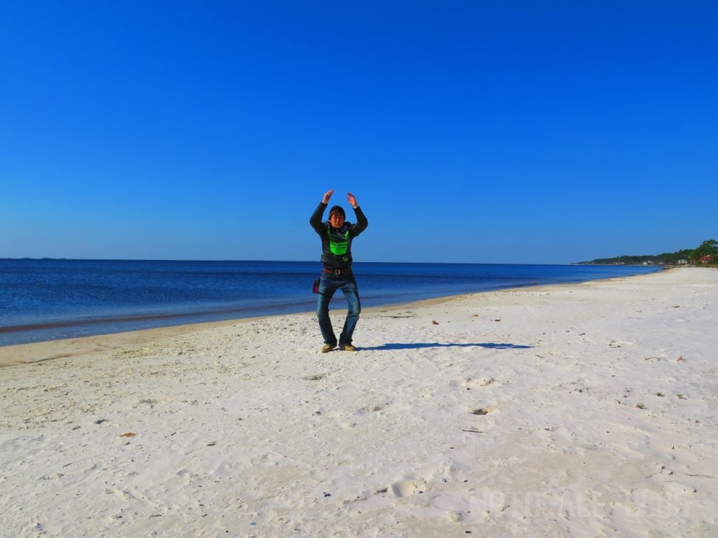 カラベルビーチとANDY