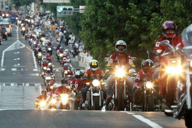 バイクであいたいパレード
