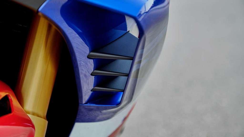 CBR1000RR-R 2020新型のウィングレット